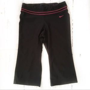 Nike Dry-Fit Women's Size Small (4-6) Capris